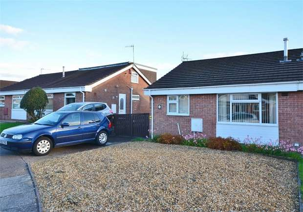 2 Bedrooms Semi Detached Bungalow for sale in Lon Y Fran, Glenfields, CAERPHILLY