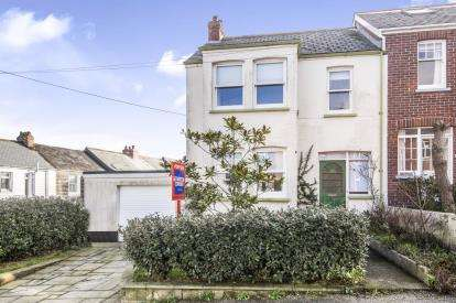 3 Bedrooms End Of Terrace House for sale in Padstow, Cornwall