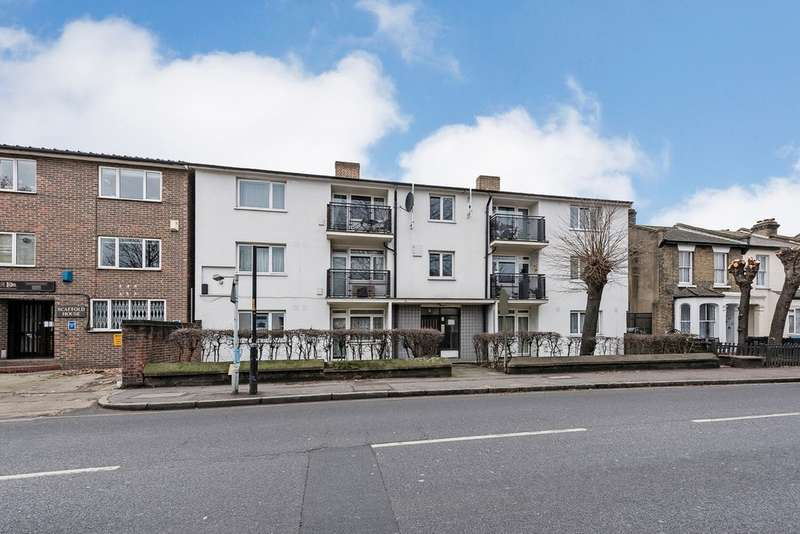 2 Bedrooms Flat for sale in Consort Road, London