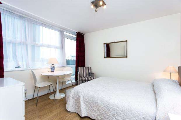 Apartment Flat for sale in Kensington Church Street, London, W8