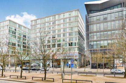 1 Bedroom Flat for sale in Brooklyn House, 31 Rillaton Walk, Milton Keynes