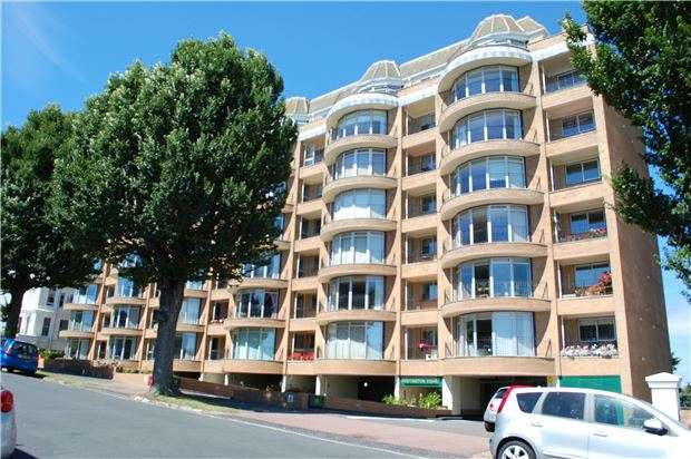 2 Bedrooms Flat for sale in St. Johns Road, EASTBOURNE, East Sussex, BN20 7HS
