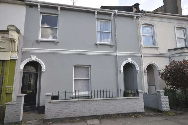 4 Bedrooms Terraced House for sale in Hewlett Road, Cheltenham