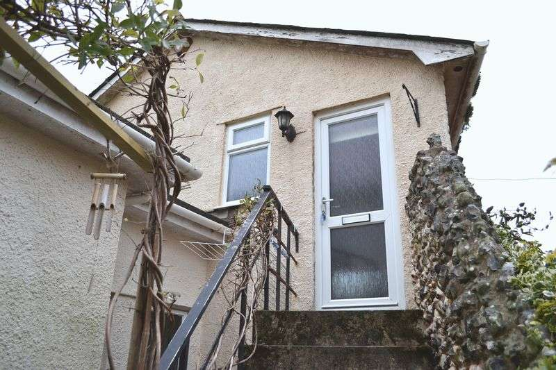 1 Bedroom Flat for sale in High Street, Sidmouth
