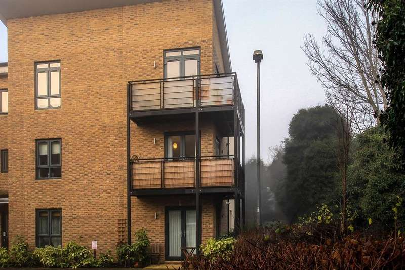2 Bedrooms Apartment Flat for sale in Sheldon Way, Berkhamsted, HP4
