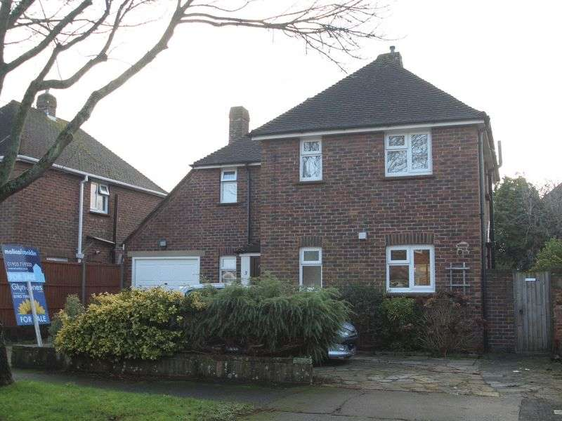 3 Bedrooms Detached House for sale in Meadow Way, Littlehampton