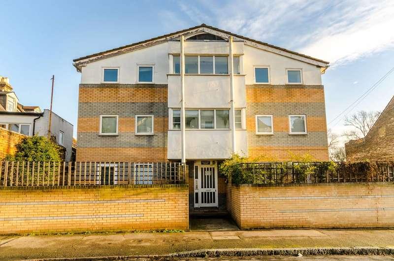 1 Bedroom Flat for sale in Wordsworth Road, Penge, SE20