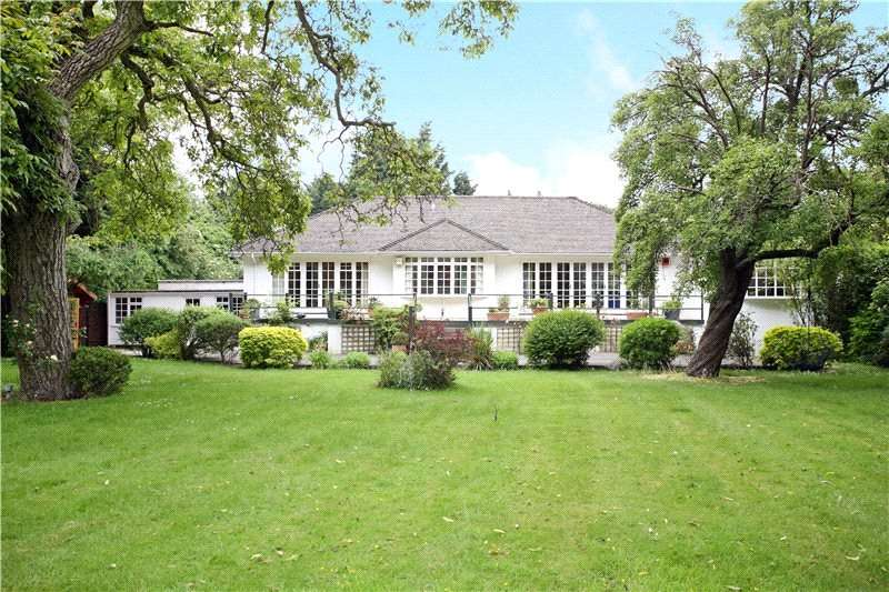 4 Bedrooms Detached Bungalow for sale in Monkey Island Lane, Bray, Maidenhead, Berkshire, SL6