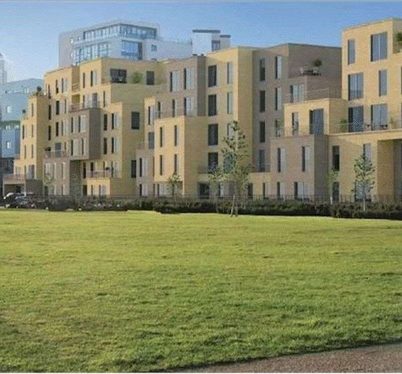 1 Bedroom Flat for sale in Hyde House, Bow, E3