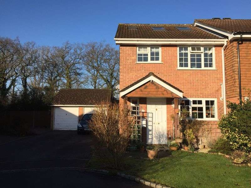 4 Bedrooms Terraced House for sale in Greenwood Drive, Chineham