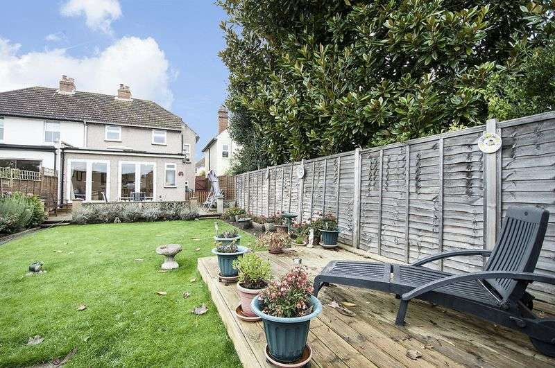 3 Bedrooms Semi Detached House for sale in Esher Avenue, Walton-on-Thames