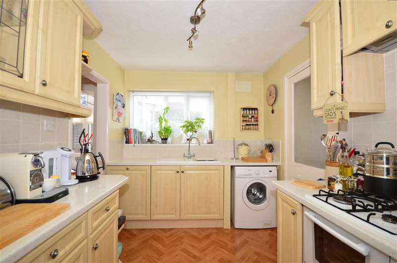 3 Bedrooms Semi Detached House for sale in Heath Road, Maidstone, Kent