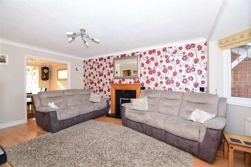3 Bedrooms Link Detached House for sale in Fielding Drive, Larkfield, Aylesford, Kent