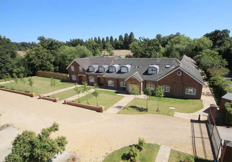 3 Bedrooms Mews House for sale in Wentworth House, Blake's Road, Wargrave, RG10