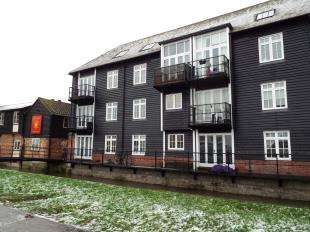 1 Bedroom Flat for sale in Sterling Court, Pound Lane, Canterbury