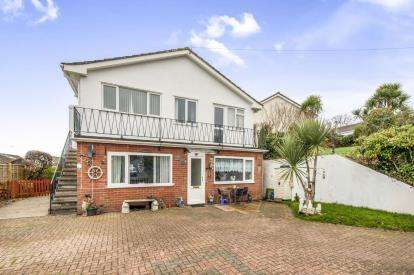 2 Bedrooms Flat for sale in Teignmouth, Devon