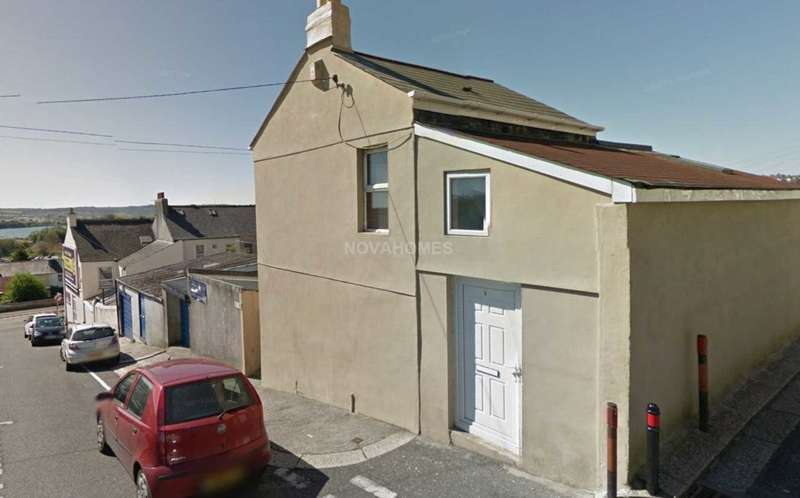 3 Bedrooms End Of Terrace House for sale in Bramley Road, Laira, PL3 6BP
