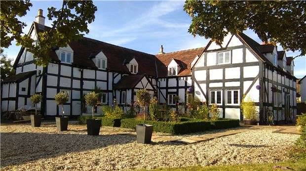 4 Bedrooms Cottage House for sale in Wood Street, Bushley, TEWKESBURY, Gloucestershire, GL20 6JA