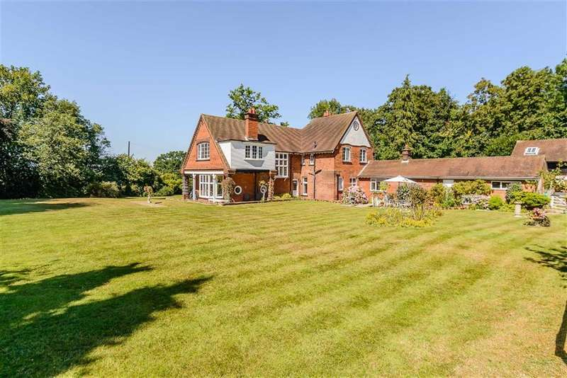 4 Bedrooms Property for sale in Harefield Road, Rickmansworth, Hertfordshire, WD3