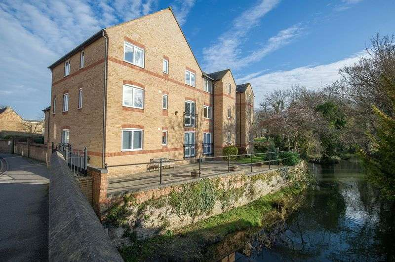 1 Bedroom Retirement Property for sale in Waterside Court, Church Street, St. Neots