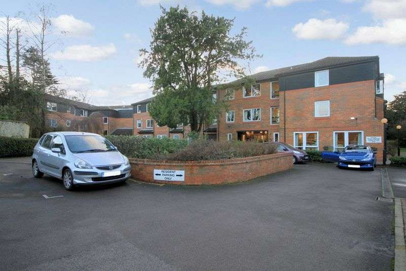 1 Bedroom Retirement Property for sale in Homecedars House, Bushey, WD23 1GN