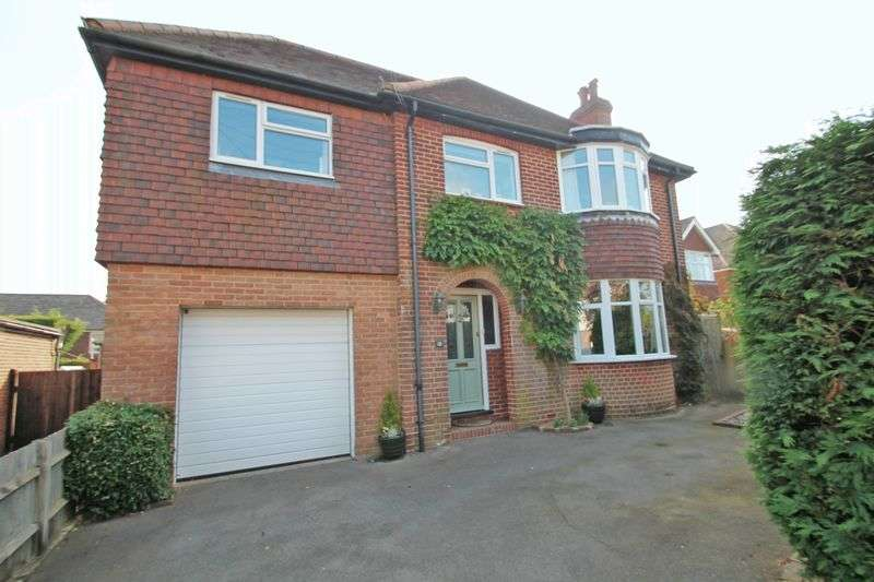 4 Bedrooms Detached House for sale in Camden Avenue, Pembury