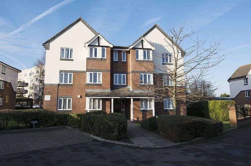 1 Bedroom Flat for sale in Roydon Court, Walton-On-Thames.