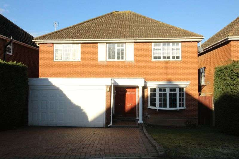 5 Bedrooms Detached House for sale in Nicholas Road, Borehamwood, WD6