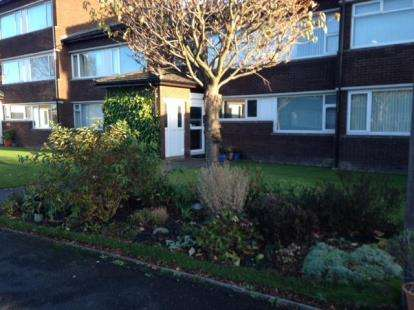 2 Bedrooms Flat for sale in Dunsgreen Court, Ponteland, Newcastle Upon Tyne, Northumberland, NE20