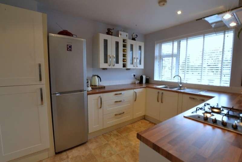 2 Bedrooms Flat for sale in West Byfleet