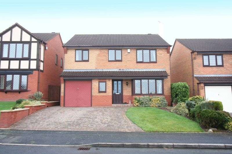 4 Bedrooms Detached House for sale in KINGSWINFORD, Wellington Close