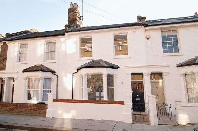 3 Bedrooms Terraced House for sale in Yeldham Road, London