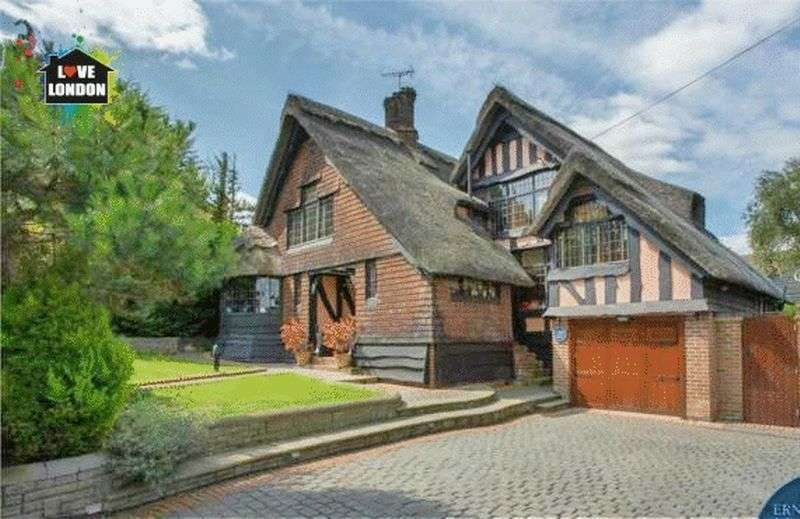 4 Bedrooms Detached House for sale in Hayland Close, London, Kingsbury, NW9