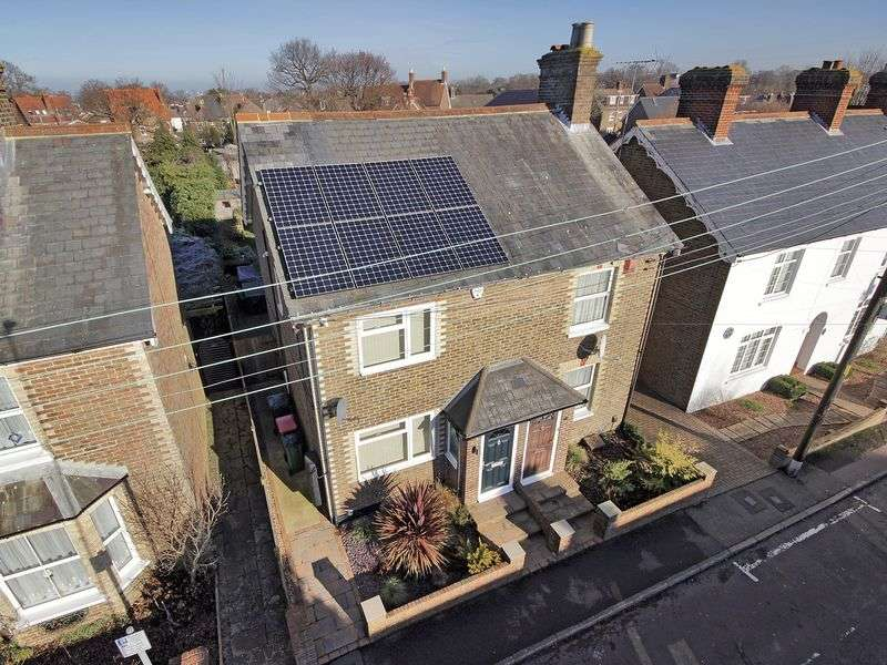 3 Bedrooms Semi Detached House for sale in New Street, Three Bridges, Crawley, West Sussex