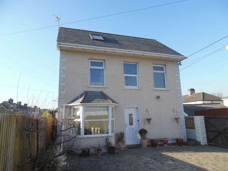 4 Bedrooms Detached House for sale in Grove Gardens Bridgend CF31 3EG