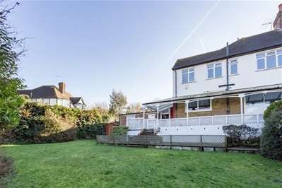 4 Bedrooms Semi Detached House for sale in Henrys Avenue, Woodford Green