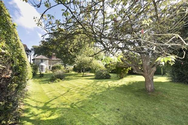 5 Bedrooms Detached House for sale in Hisomley Crossroads, Dilton Marsh, Wiltshire