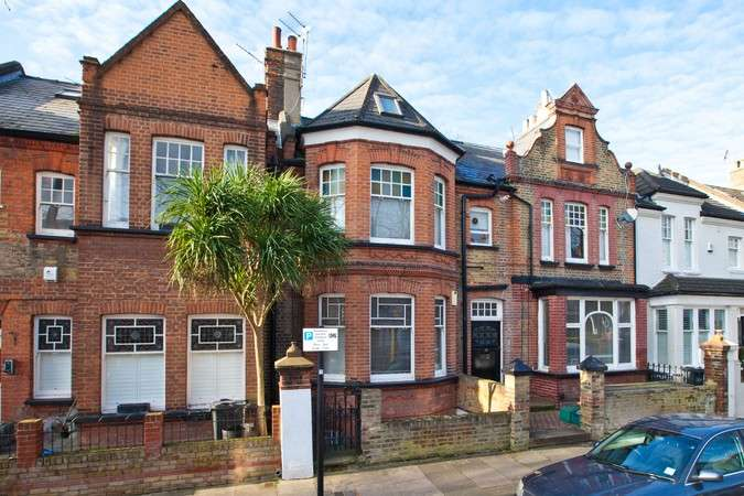 1 Bedroom Flat for sale in Brackley Road, Chiswick