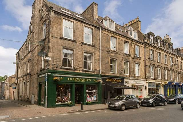 3 Bedrooms Flat for sale in Baker Street, Hawick, Borders, TD9 9BW