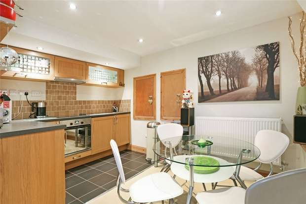 2 Bedrooms Maisonette Flat for sale in Avonleigh Road, Bedminster, Bristol
