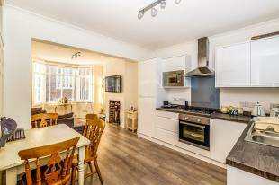 2 Bedrooms Terraced House for sale in Dewe Road, Brighton, East Sussex