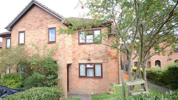 1 Bedroom Terraced House for sale in Sibley Park Road, Earley, Reading