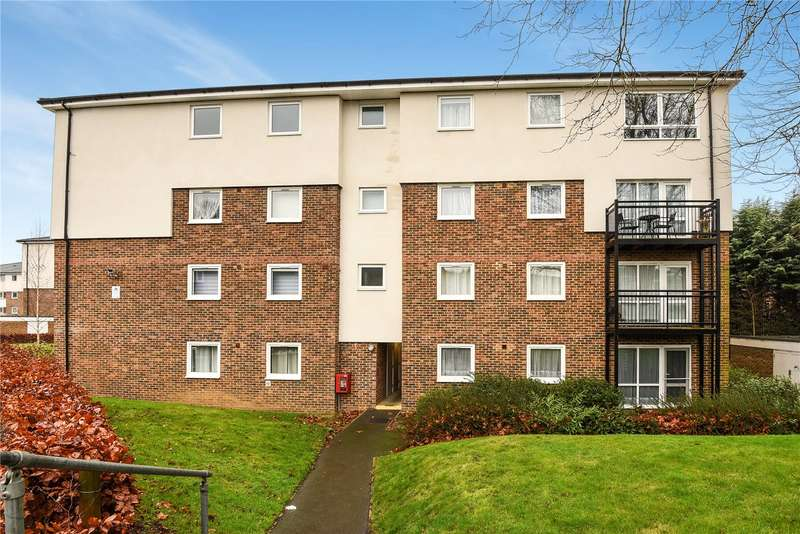 2 Bedrooms Apartment Flat for sale in Tedder Close, Uxbridge, Middlesex, UB10