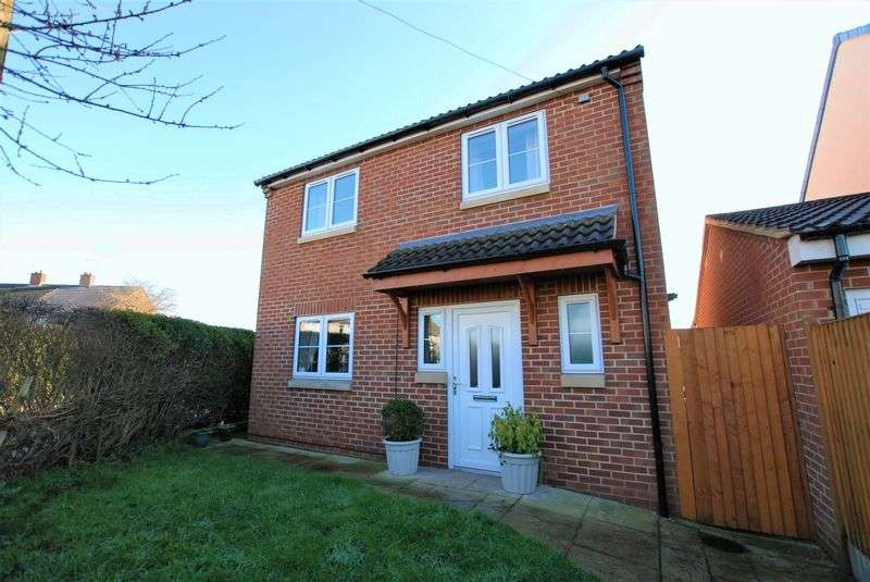 4 Bedrooms Detached House for sale in Hamilton Avenue, Uttoxeter