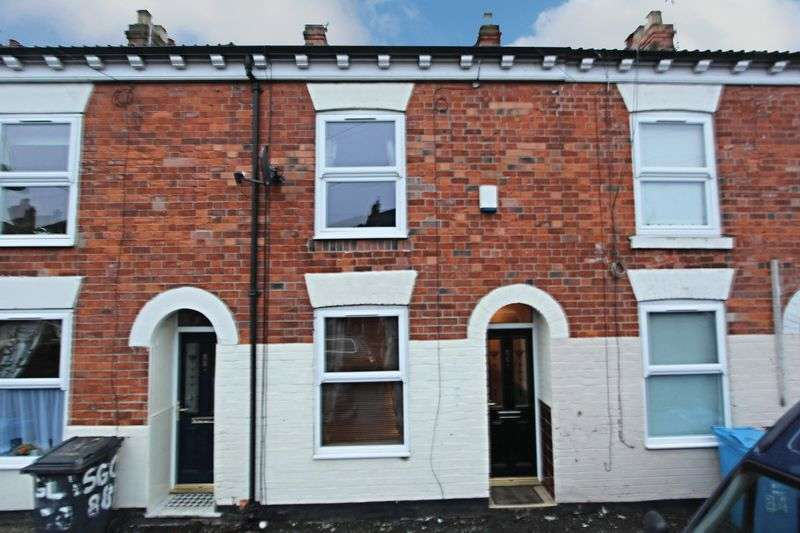 2 Bedrooms Terraced House for sale in Glasgow Street, Hull