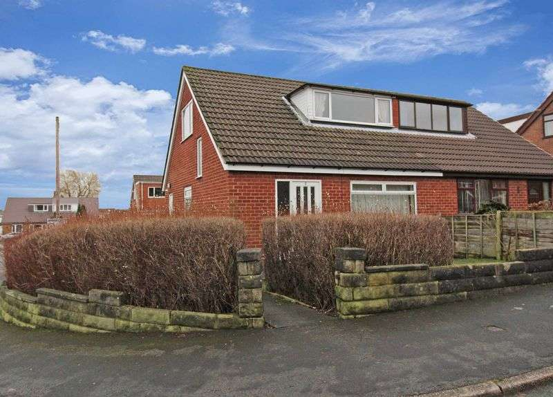 3 Bedrooms Property for sale in Layton Close, Pemberton, Wigan