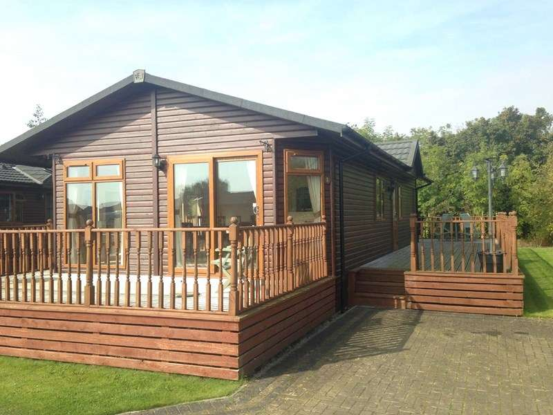 2 Bedrooms Detached Bungalow for sale in Malton Grange, Amotherby
