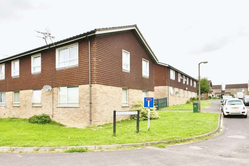 2 Bedrooms Flat for sale in Saxon Close, Cricklade, Wiltshire