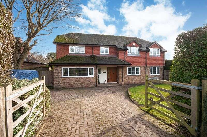5 Bedrooms Detached House for sale in Westhumble