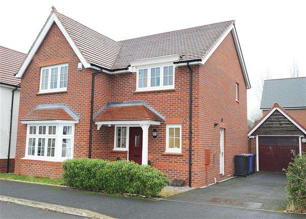 4 Bedrooms Detached House for sale in 67 Roseway Avenue, Cadishead M44 5GG